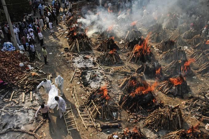 Crematório em Nova Délhi